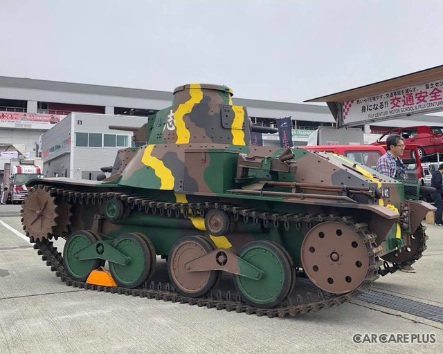 小林氏が所有する「九五式軽戦車・撮影用プロップモデル」
