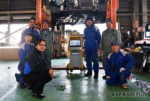 工場のスタッフも忙しい時にはロードサービスに出動する。一人二役三役こなすのがサッポロ日昭流だ