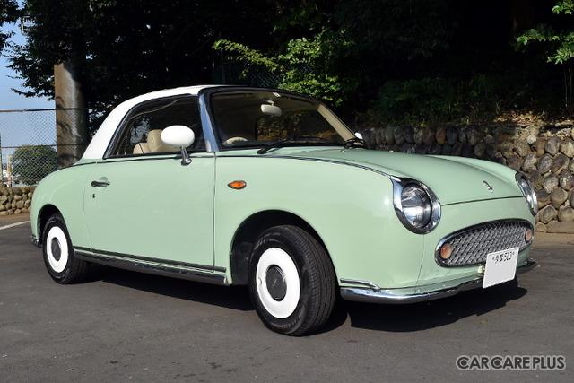 人生初の愛車として手に入れた「日産フィガロ」